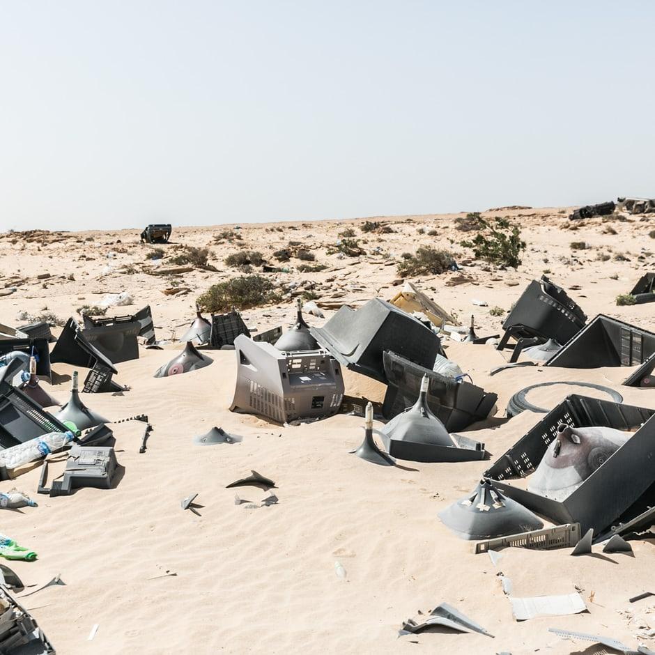 beyond-africa-surf-movie_mauritania_crossing_border.jpg