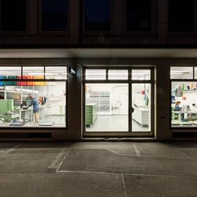 freitag_sweat-yourself-shop_night-02_rgb_rolandtaennler.jpg
