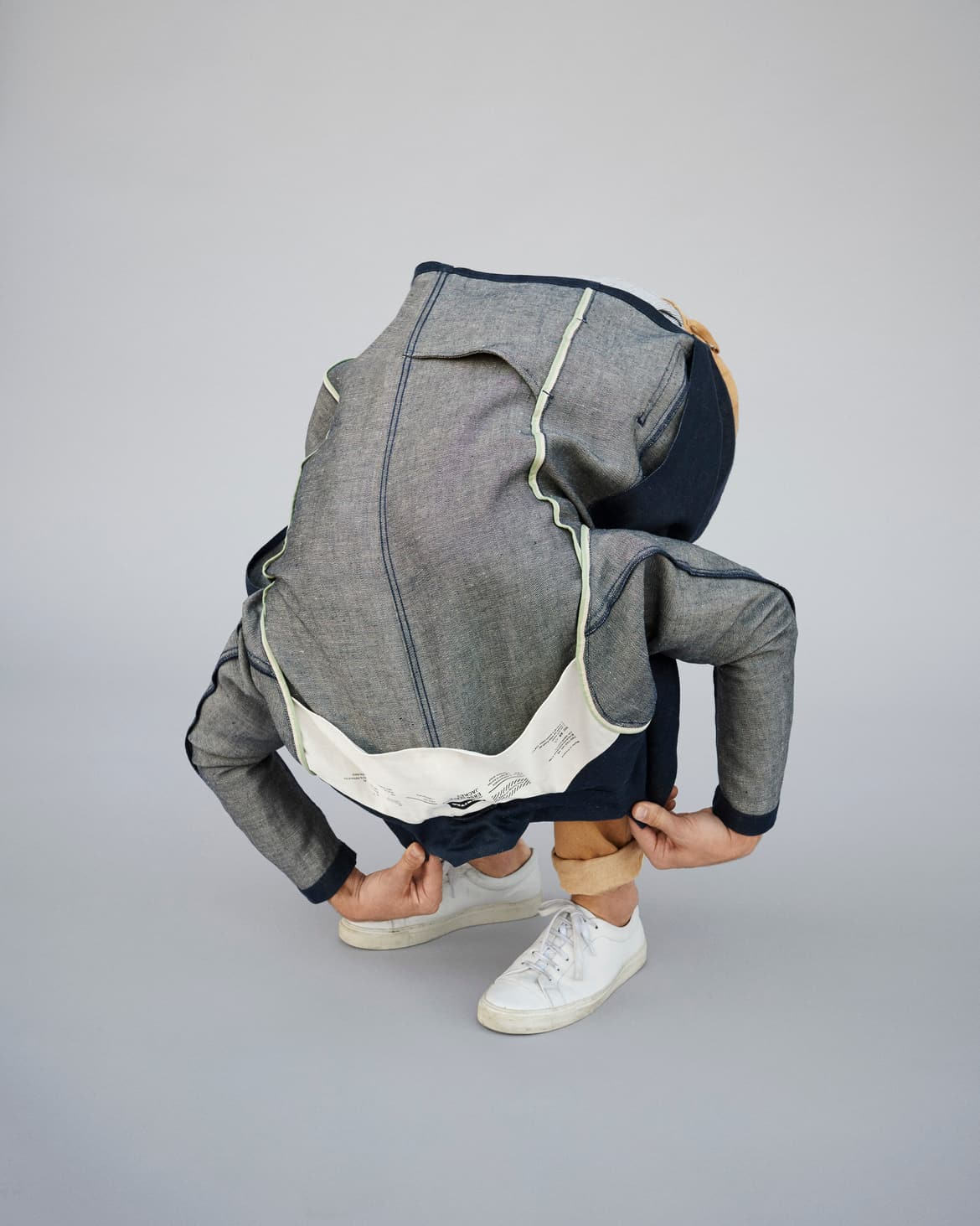 f-abric_e850-jacket_darkblue_insideout_nadineottawa_rgb_highres.jpg