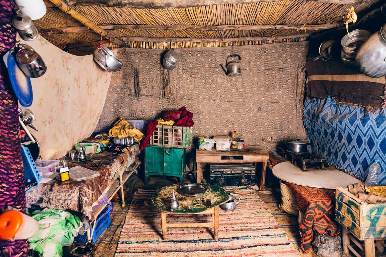 07_freitag_beyondmovie_surfmovie_morocco_desert_nomads.jpg
