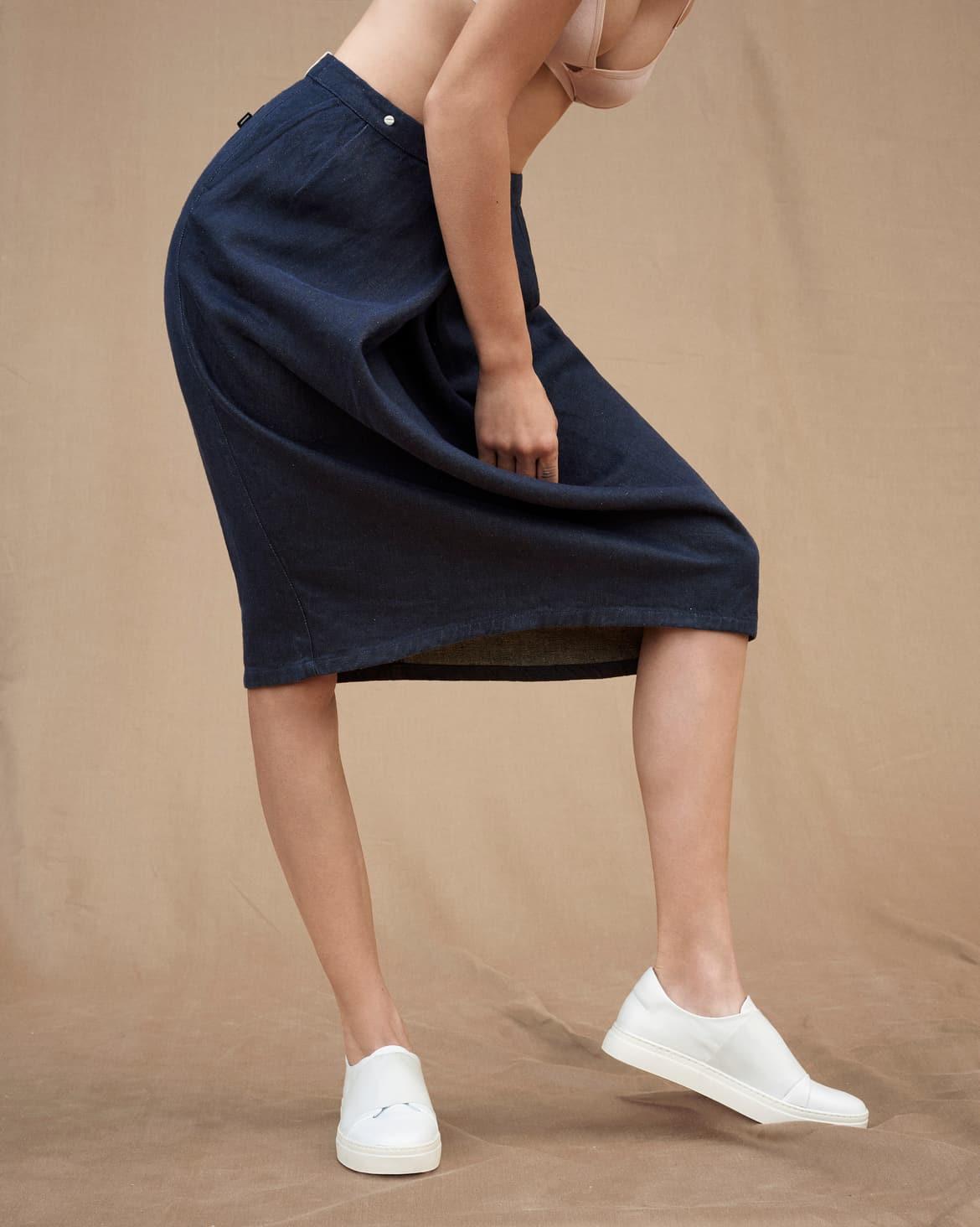 f-abric_e153-skirt_darkblue_nadineottawa_rgb_highres.jpg